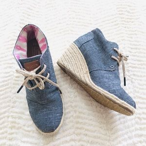 TOMS Desert Chambray Wedge Booties